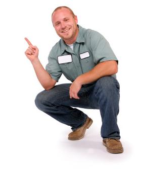 Gentil Garage Door Repairman (1)